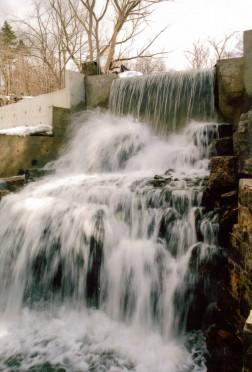 Upper-Mill-Falls-spring-200